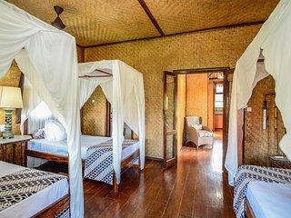 Aashaya  Jasri Resort Villa Kayu C Triple bedroom on top floor. - Candidasa vacation rentals