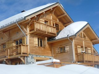 Spacious chalet with swimming-pool - Fontcouverte-la-Toussuire vacation rentals