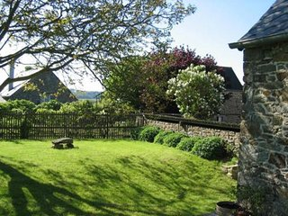 Charming house with 3 bedrooms in pleudihen sur rance with a fenced garden. - Pleudihen-sur-Rance vacation rentals