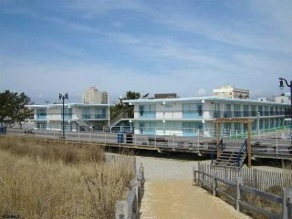 BEAUTIFUL GETAWAY FOR 2 ON THE BEACH AND BOARDWALK - Atlantic City vacation rentals