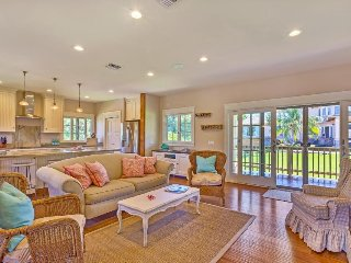 Elegant home steps from Napili Bay w/ a beautiful balcony, lawn, & gas grill - Lahaina vacation rentals