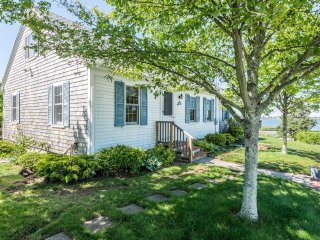 PHOUE - Sweet Cape Home, Gorgeus Waterviews,  Walk to Town,  Lovely Landscaped - Vineyard Haven vacation rentals