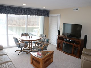 Family Friendly, Close to Mall, Great location, 2 Bed 2 Bath - Osage Beach vacation rentals