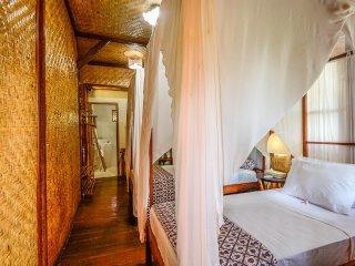 Aashaya Jasri Resort Villa Kayu D Twin bedroom on top floor. - Candidasa vacation rentals