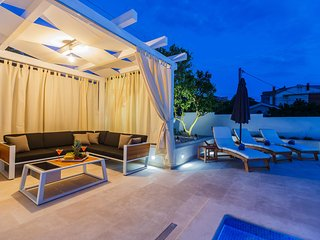 Luxury Studio Apartment with swimming pool - Trogir vacation rentals
