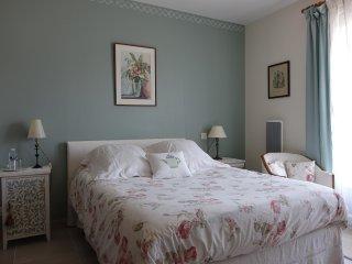 Romantic 1 bedroom Bagneres-de-Bigorre Bed and Breakfast with Internet Access - Bagneres-de-Bigorre vacation rentals