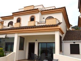 Maison duplex  ,tout confort , endroit calme près de l'animation de Benidorm - El Albir vacation rentals
