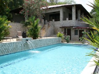 VILLAS CASA LOMA (Villa 5)  FLAMINGO BEACH'S BEST KEPT SECRET FOR OVER 30 YEARS - Playa Flamingo vacation rentals
