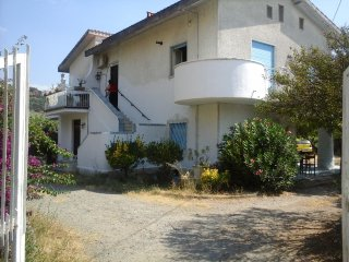 Affittasi appartamento piano terra in villa - Tortora vacation rentals