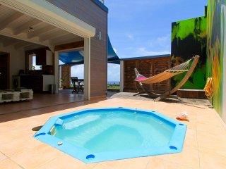 TERRATHELY *****, vue mer, piscine privative - Le Moule vacation rentals