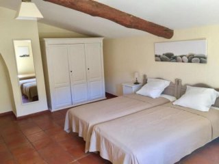 Nice House with Internet Access and Television - Draguignan vacation rentals