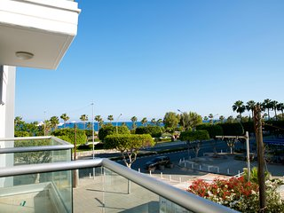 Modern 2 bedroom 'Sleeps 5' seafront, free Wifi - Limassol vacation rentals