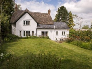 Charming House with Internet Access and Television - East Chelborough vacation rentals