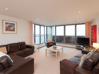 The Waterfront View Residence - Edinburgh vacation rentals