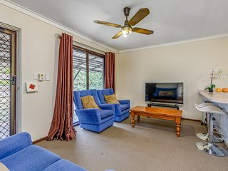 Bright, neat, convenient, family-friendly & well present house - Armadale vacation rentals