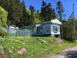 Quiet and Peaceful waterfront cottage - Riviere du Loup vacation rentals