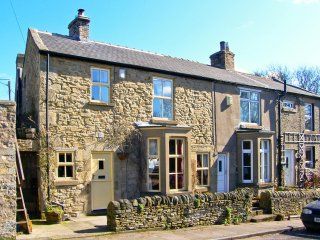 WAYSIDE COTTAGE, pet friendly, character holiday cottage, with open fire in - Consett vacation rentals