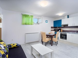 Cozy Apartment with A/C and Satellite Or Cable TV - Rovinj vacation rentals