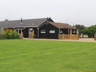 2 bedroom Cottage with Internet Access in Alderholt - Alderholt vacation rentals