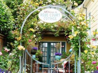 Arcata Rose Court Cottage in Serene Garden Setting - Arcata vacation rentals
