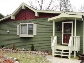 Nice House with Deck and DVD Player - Twin Lakes vacation rentals