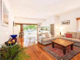 Walk to Bondi Beach from this lovely holiday home - Bondi Beach vacation rentals