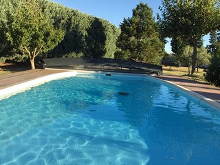 Spacious house with pool access - Roquemaure vacation rentals
