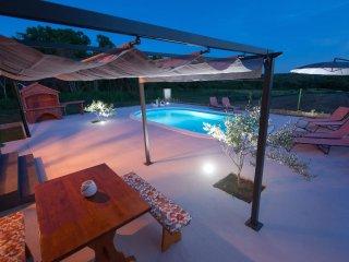 Villa near Zadar with swimming pool - Zadar vacation rentals