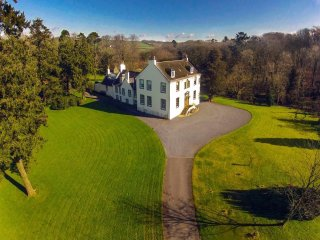 Historic , A listed house in the heart of Burns Country , easy access to Glasgow - Stewarton vacation rentals