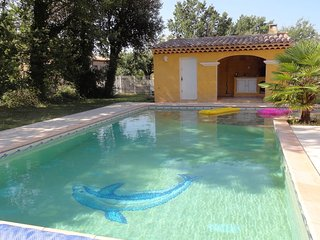 Spacious Villa with swimming-pool - Regusse vacation rentals
