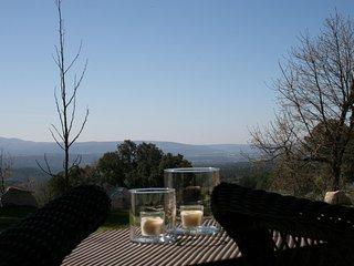 Bonita casa de campo con vistas al valle del Tietar - Piedralaves vacation rentals