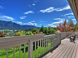 NEW! 'Ann's Aerie' 2BR Stevenson Apartment w/Views - Stevenson vacation rentals