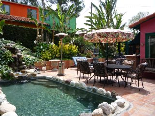*BUNGALOW celebrity estate guest house. Gated/tropical resort/pet/pool/spa/BBQ - Los Angeles vacation rentals