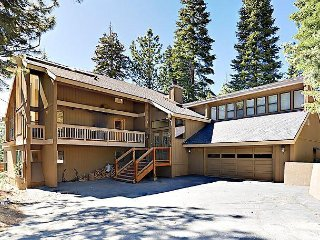 Large 5BR Mountain w/ Hot Tub, Decks, Barbecue & Game Room - Truckee vacation rentals