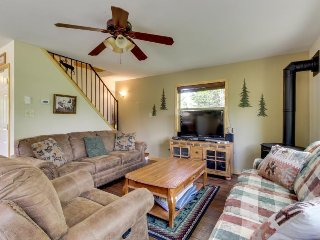Spacious & dog-friendly mountain retreat feet from the lake and close to town! - Donnelly vacation rentals