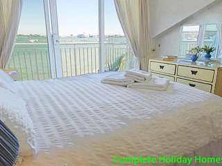 Powderkeg Cottage - a lovely 3 bedroom waterfront townhouse - Gosport vacation rentals