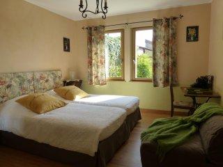 Les chambres de la ville haute : Chambre Margueritte - Dun-sur-Meuse vacation rentals