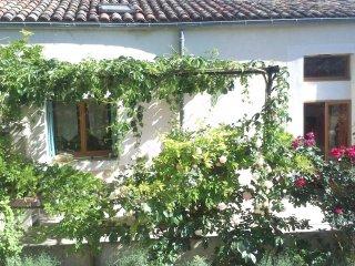 Gite rural 6 personnes Piemont Cévenol - Cannes-et-Clairan vacation rentals