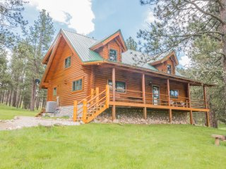 Cozy Cabin in Pringle with Microwave, sleeps 8 - Pringle vacation rentals