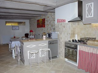 Nice House with Internet Access and Parking - Saint-Martin-du-Mont vacation rentals