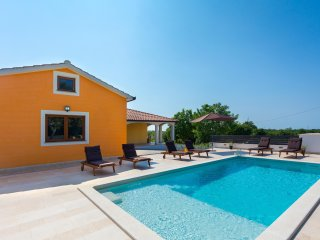 Villa Anavi with private pool and large garden - Barban vacation rentals