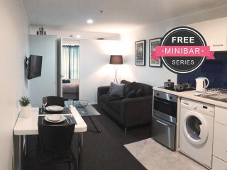 The Verge in Auckland Central (FREE MiniBar) - Auckland vacation rentals