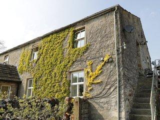 THE GRANARY, sleeps three, off road parking, stone built, open plan, Otterburn - Airton vacation rentals
