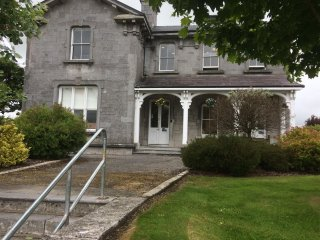 Old Stone House...Group Bookings and seasonal pricing, please ask for quote.. - Athenry vacation rentals