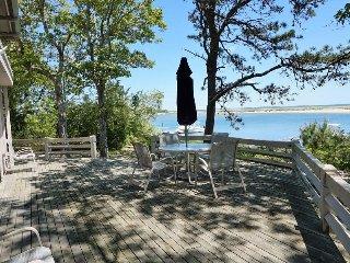 Beautiful 3 bedroom Mashpee House with Deck - Mashpee vacation rentals