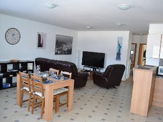 Recently renovated fully-furnished apartment, 5 min from Ramstein US Air Base - Mackenbach vacation rentals