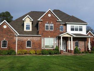 Basement Aparetment $200/room - Shared Common Area - Full Kitchen - Carterville vacation rentals