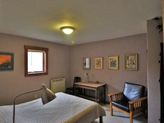 Starlight Llama - The Lavender Room - Northampton vacation rentals