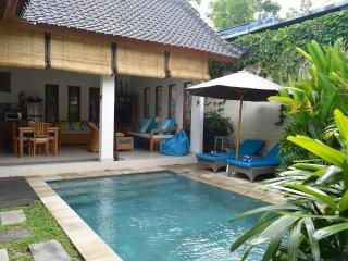 Villa Mewali - private 2 bedrooms with pool. - Sayan vacation rentals