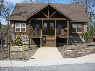 Nice Cabin with Deck and A/C - Branson West vacation rentals